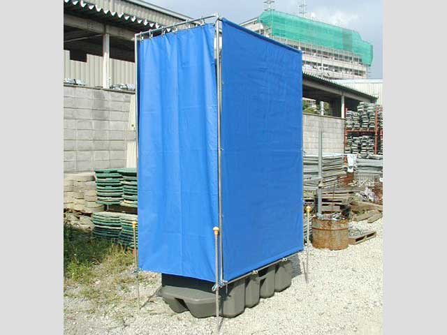 仮設トイレ